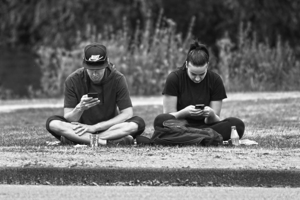 オンライン×メンタルヘルスケアの最新動向:Slackを使ったコミュニティ